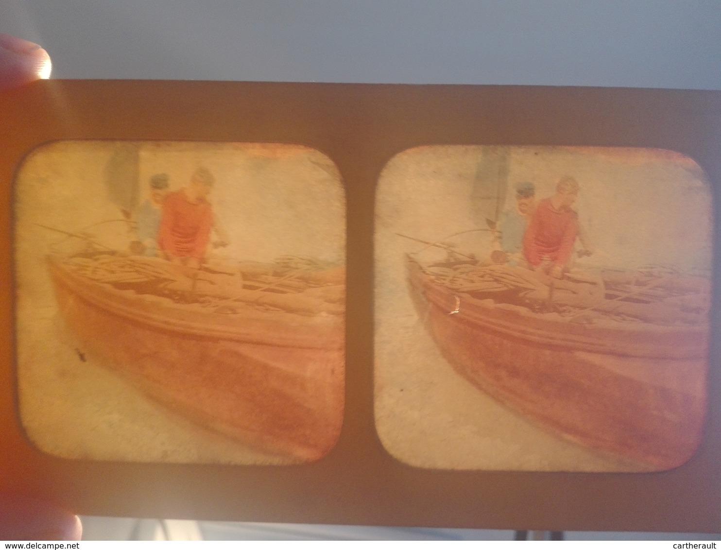 Lot De 3 Photos Stéréo - Effet Coloré Par Transparence - Scènes De Pêche , Bateau , Pêcheur... - Photos Stéréoscopiques