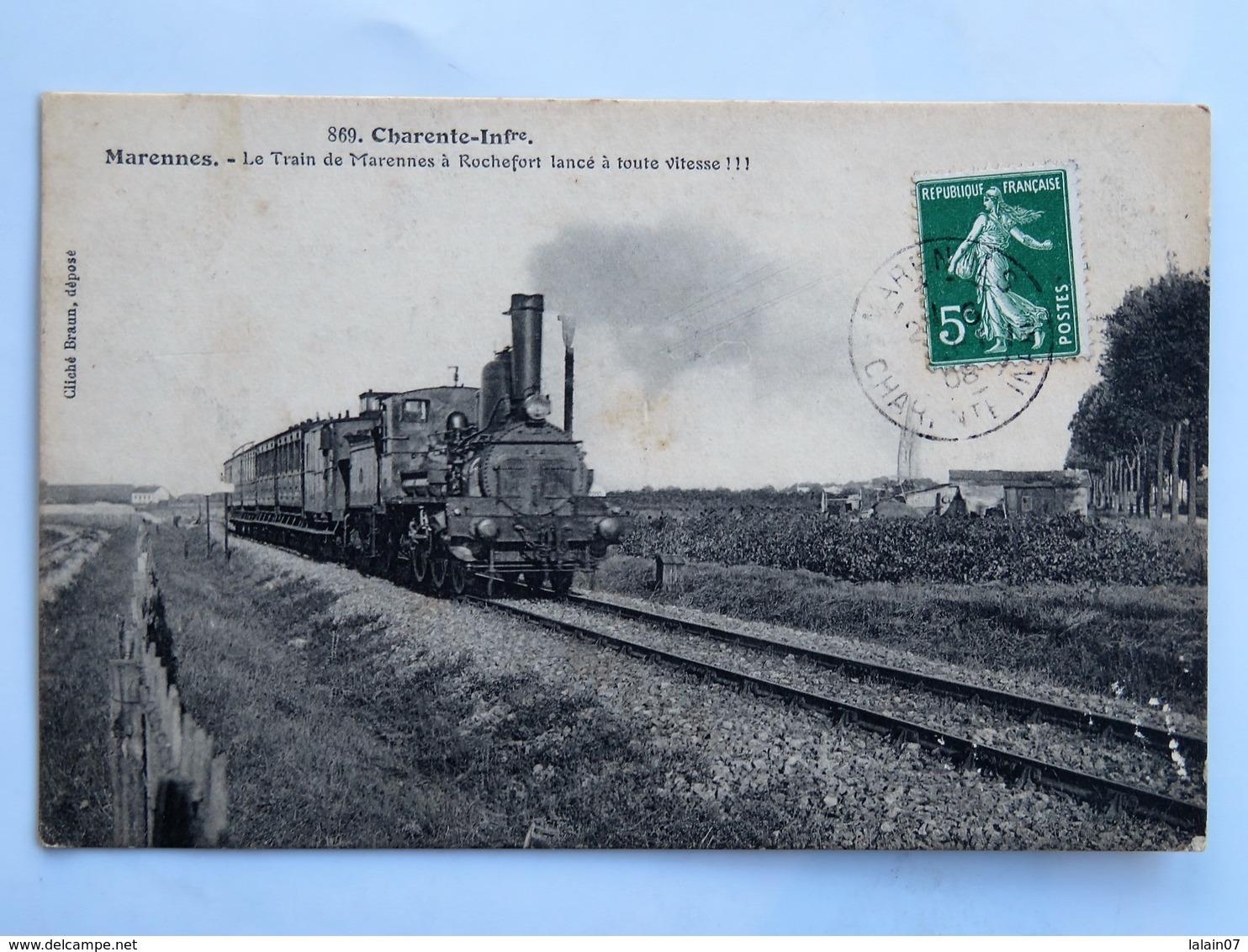 C.P.A. 17 MARENNES : Le Train De Marennes à Rochefort Lancé à Toute Vitesse, Timbre En 1908 - Marennes
