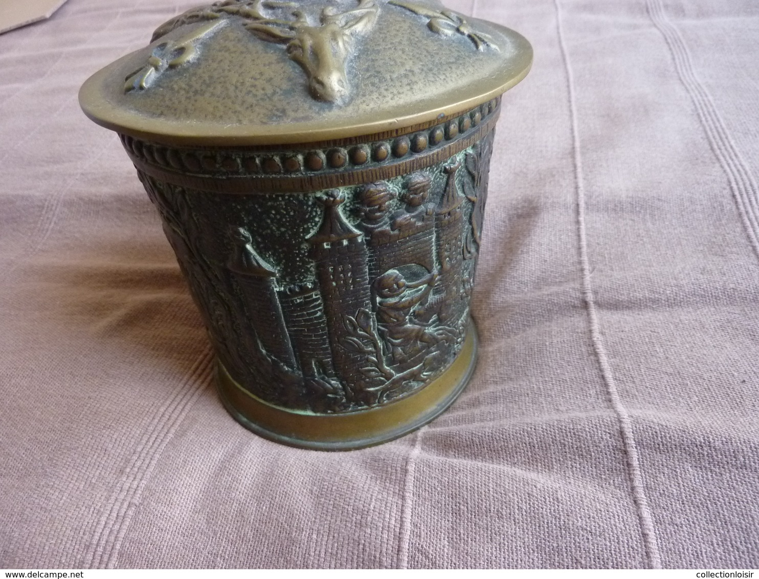 RARE *** POT A TABAC MAX LE VERRIER CHASSE AU MOYEN AGE VERS 1350 ( BRONZE ) - Bronzes