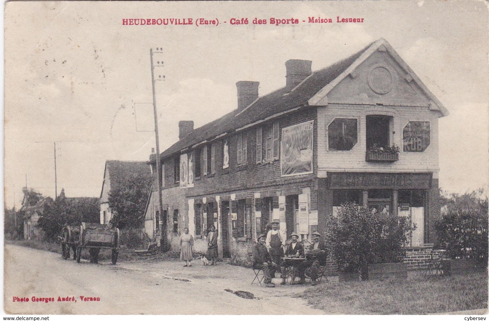 HEUDEBOUVILLE - Café Des Sports - Maison Lesueur - Clients En Terrasse - Autres Communes