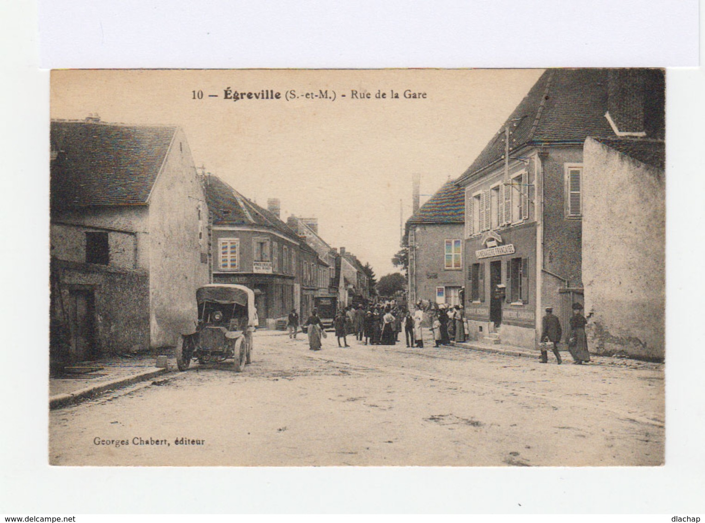 Egreville. Rue De La Gare. Automobiles D'époque. Epicerie La Ménagère Française. (3008) - France