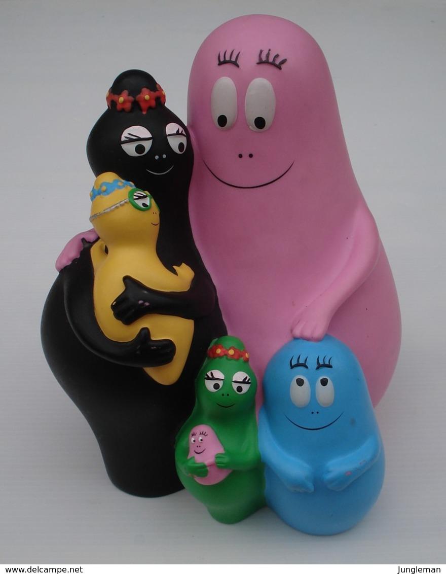 Tirelire La Famille Barbapapa En Plastique Dur - Marque Plastoy - Année 2006 - Objet Numéroté - Hauteur 19 Cm - Other