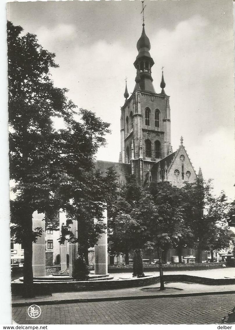 8Eb-424: 4 TIENEN-TIRLEMONT Kerk O.-L.-Vrouw Ten Poel En Monument Der Gesneuvelden.... - Tienen