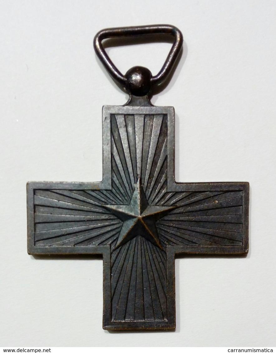 WWI - CROCE Al MERITO Di GUERRA (Regno D' Italia - Vittorio Emanuele III) Senza Nastro - Croix / Cross - Italia