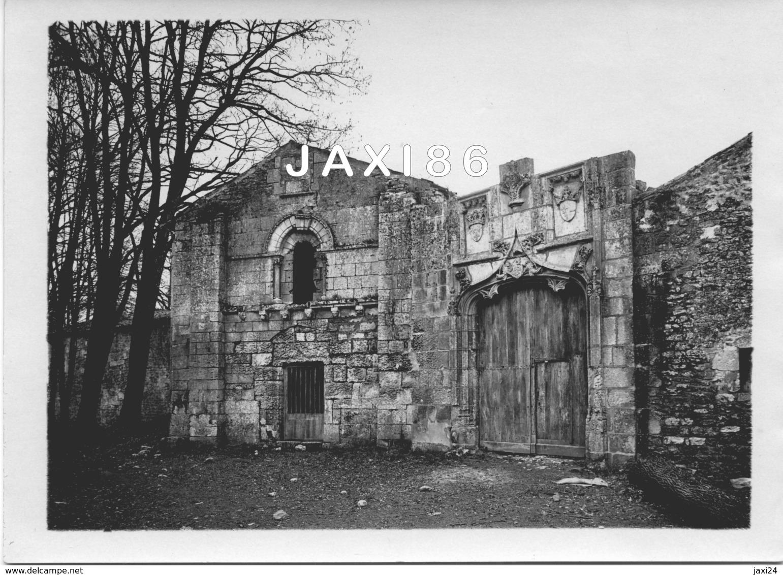 TRÈS RARE Tirage Photographique Ancien Et Original De La Façade Du PRIEURÉ D'AVAILLES Commune De NOUAILLÉ (VIENNE) 86 - Lieux