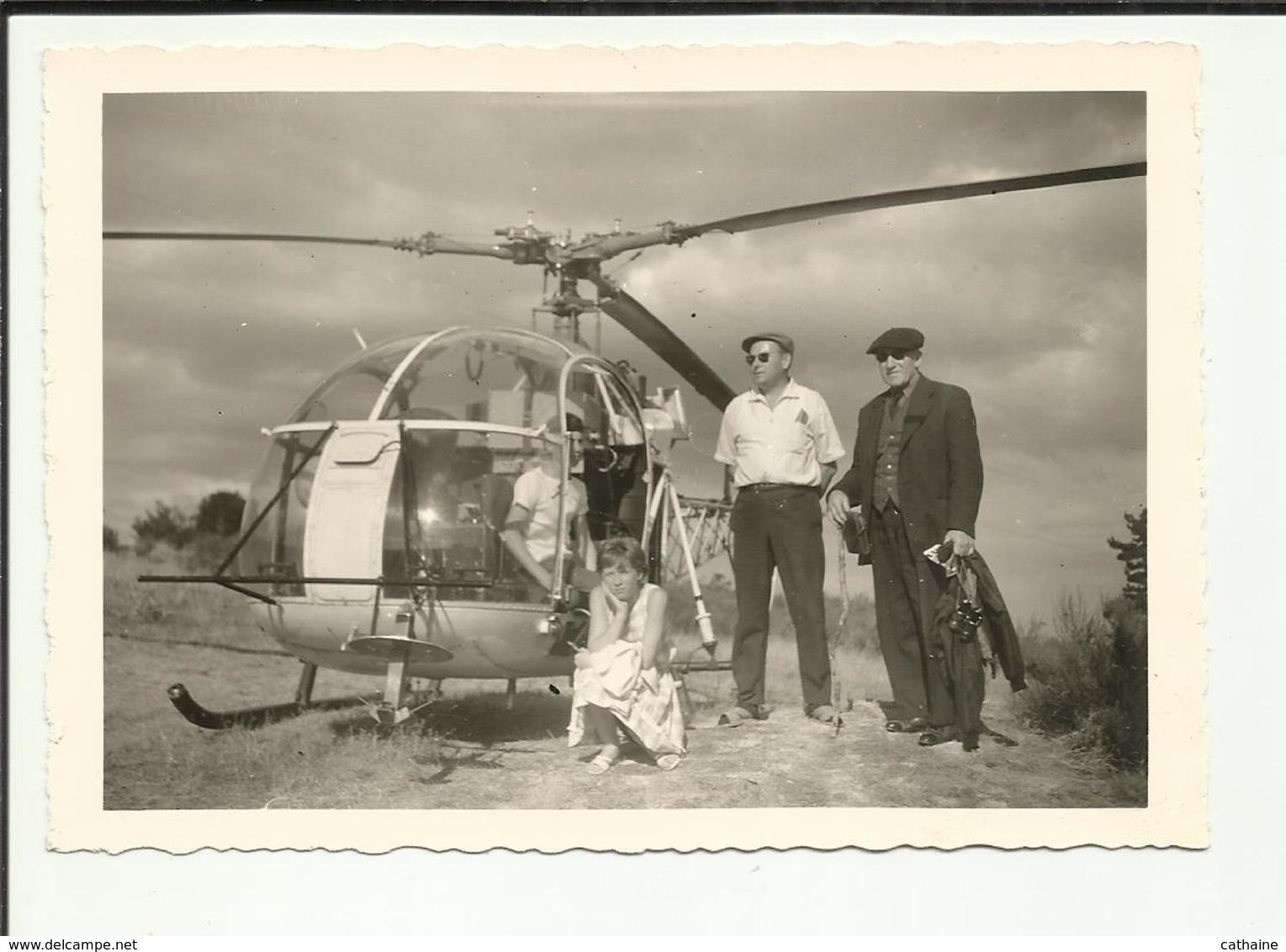 63 .CIRCUIT AUTOMOBILE DE CHARADE  .CLERMONT  ROYAT  SIX PHOTOS D UNE COURSE ALPINE . HELICOPTERE DE SURVEILLANCE - Cars