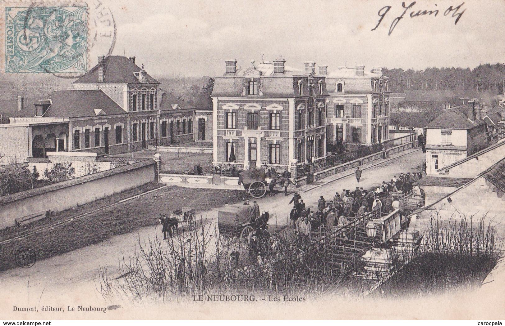 Carte Précurseur 1904 LE NEUBOURG / LES ECOLES (très Animée , Calèche) - Le Neubourg