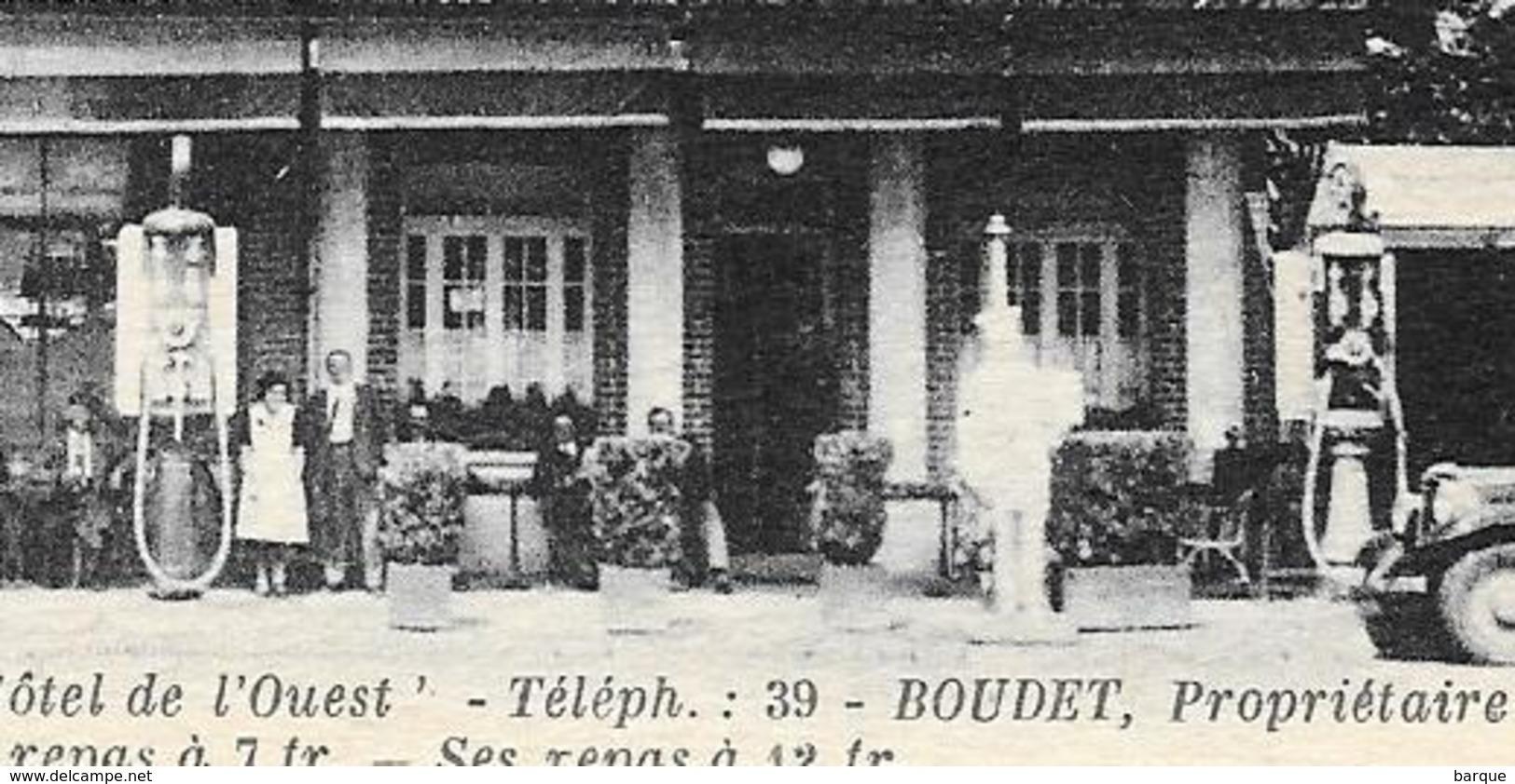 D27  . CPA  . EVREUX  . HOTEL De L'OUEST . TB Animation ..Pompes à Essence ... - Evreux