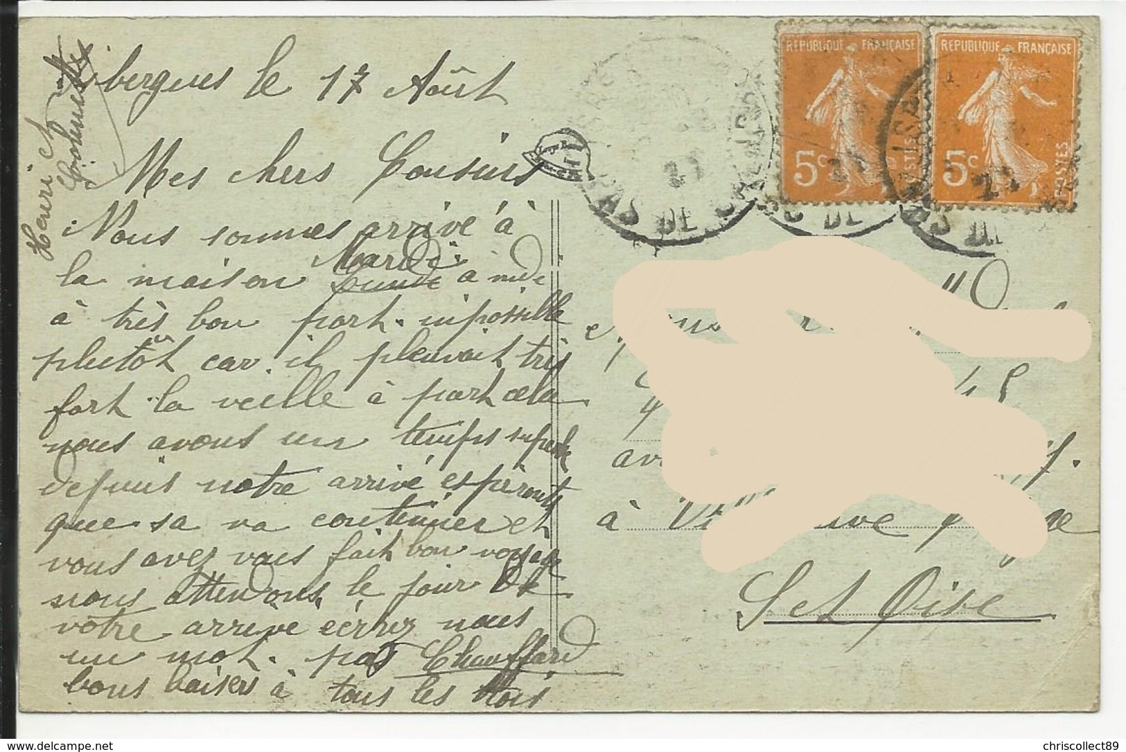 Carte Postale : Isbergues - Coté Sud . Au Premier Plan . Le Monument Aux Morts Et Le Presbytère - Isbergues