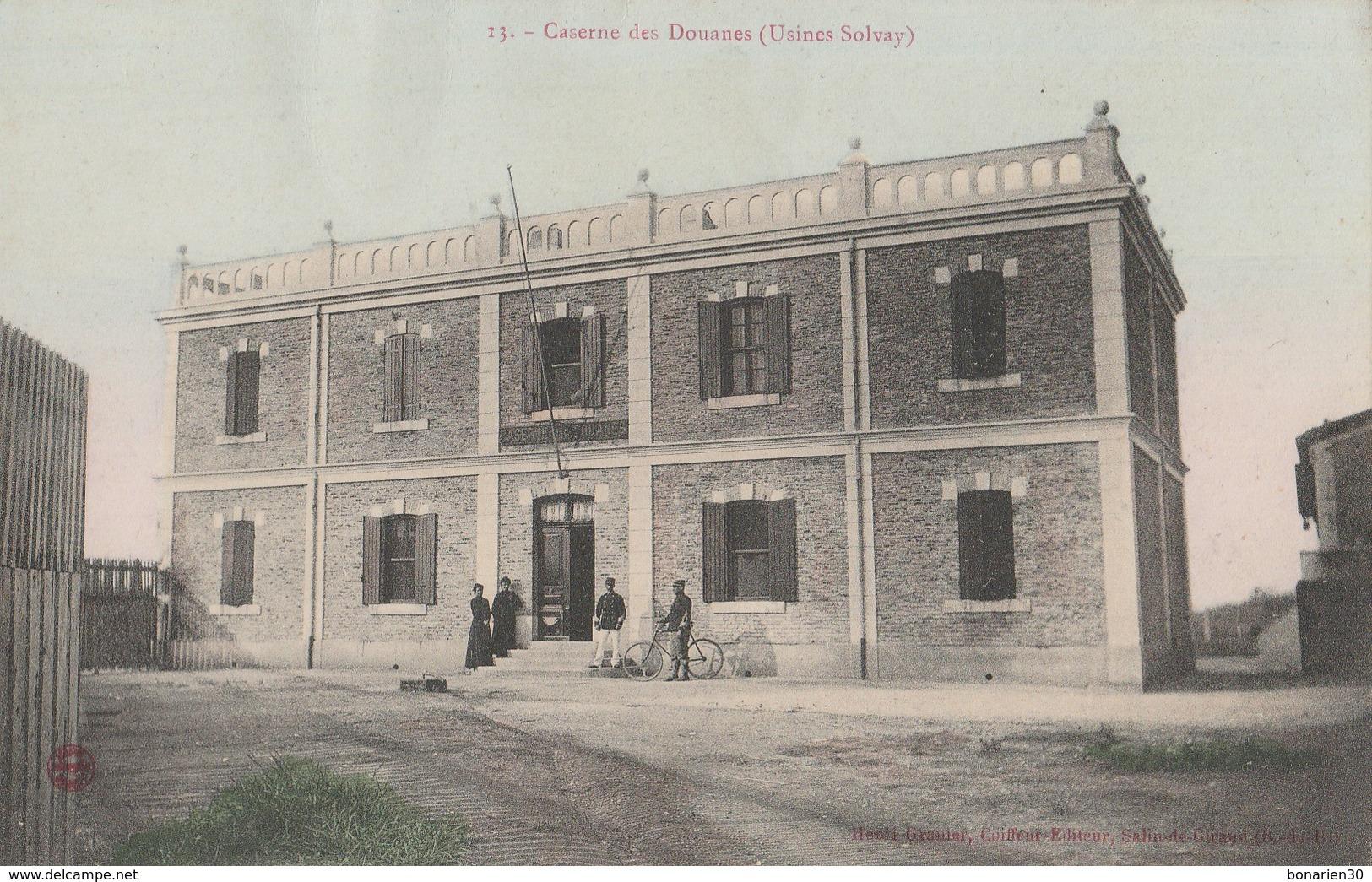 CPA 13 SALIN DE GIRAUD CASERNE DES DOUANES  USINES SOLVAY - Non Classés