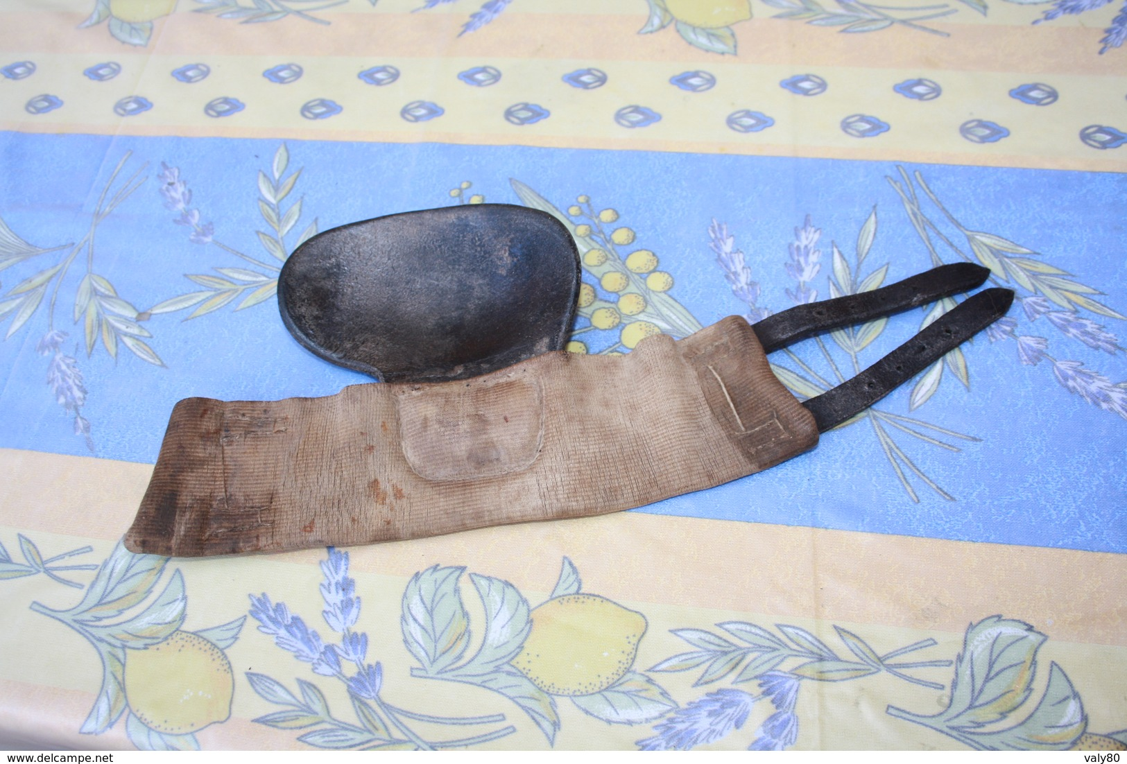 Ancien Bracelet De Protection Main. - Tiro Con L'Arco