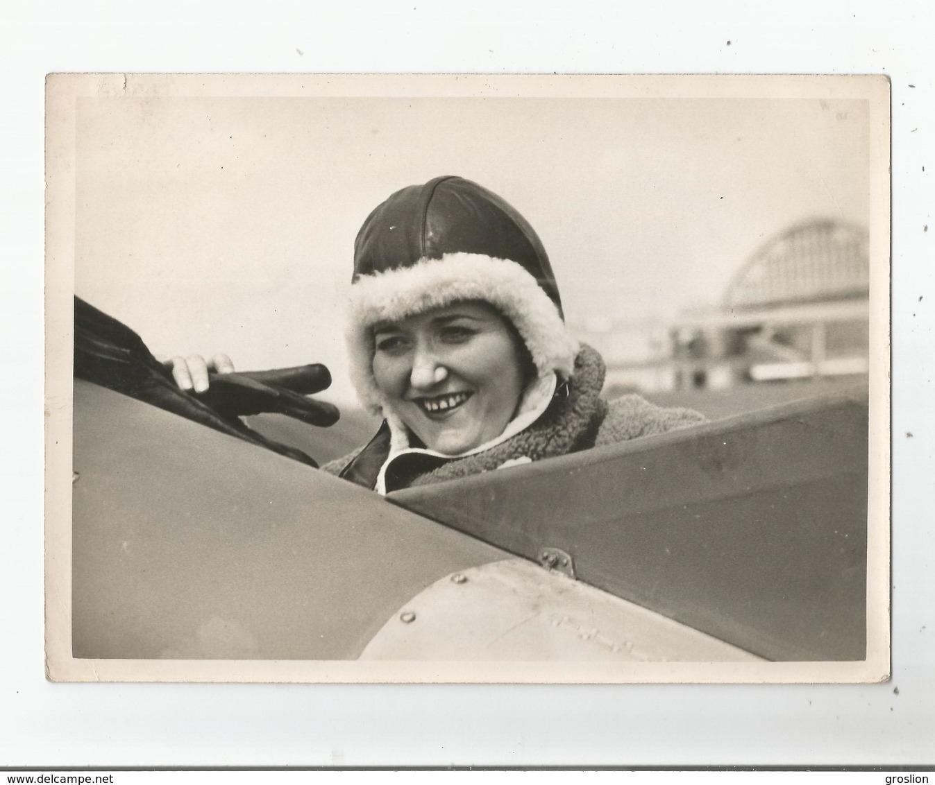 MARYSE HILSZ MILITAIRE ET AVIATRICE FRANCAISE (LEVALLOIS PERRET 1901 MOULIN DES PONTS (01) 1946) PHOTO ANCIENNE - Aviation