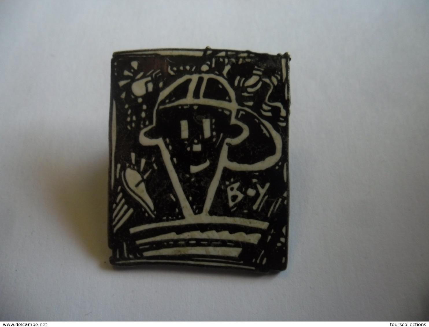 GRAND PIN'S De 1985 FIDO DIDO @ 28 Mm X 33 Mm Mascotte De La Boisson Gazeuse 7Up Jeune, Muet, Séducteur, Hip Hop, Urbain - BD