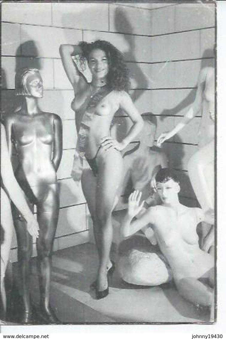 SONIA ESTRELA - MISS EROTICA 94 - SALON DE L'EROTISME. PARIS  (  NUE - NU - NUS ) Photo: R. PATRICOT - Nus Adultes (< 1960)
