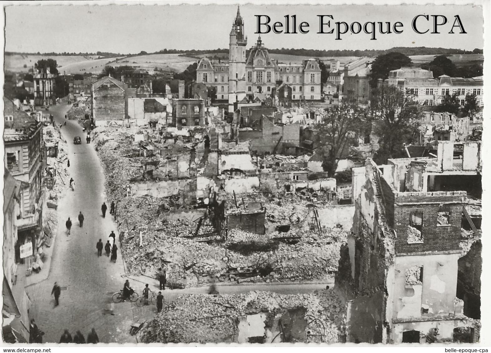 27 - ÉVREUX - Juin 1940 - Rue Du Docteur Oursel Et L'Hôtel-de-Ville +++++ Édit. M. Curé, Évreux ++++ CPSM / RUINES - Evreux