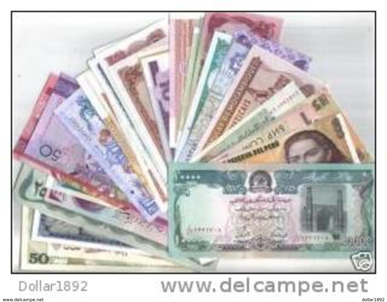 JOLI LOT Collection 40 Billets TOUS DIFFERENTS NEUF - Monnaies & Billets