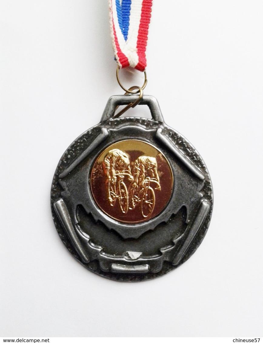 Médaille 1ère Animation Cycliste De La Ville D'Hagondange (Moselle) - Ciclismo