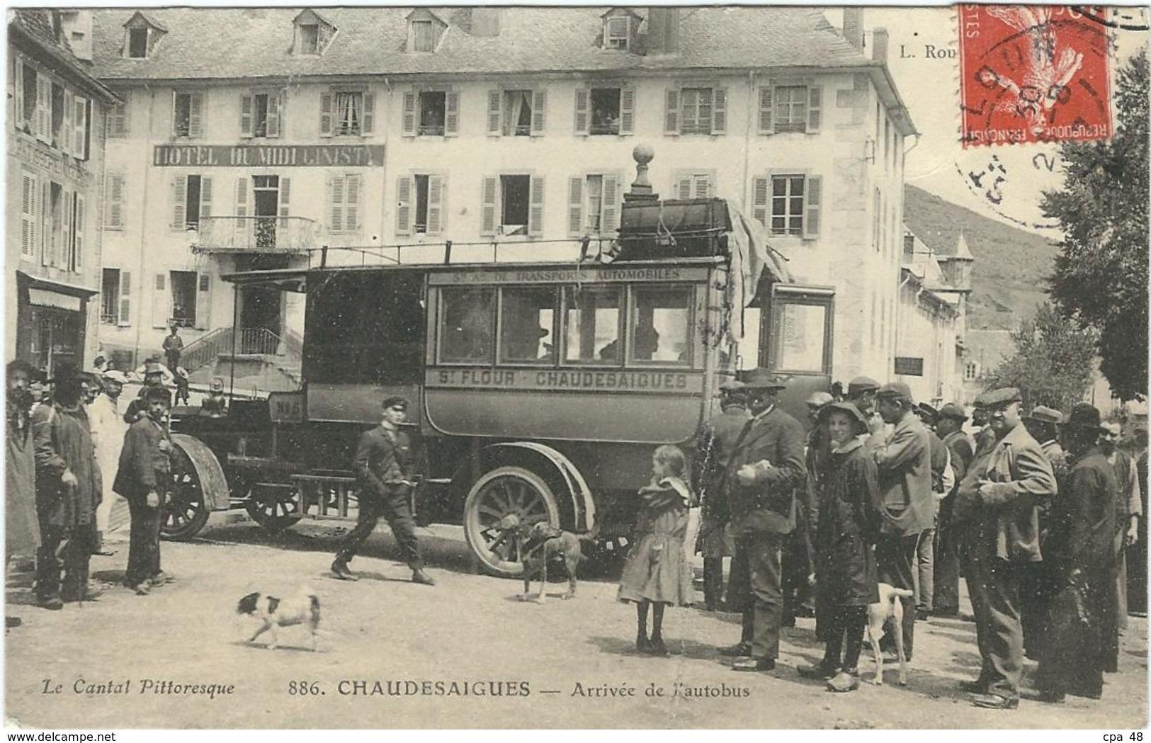 Cantal : Chaudesaigues, Arrivée De L'autobus, Très Belle Carte Animée, Rare... - France