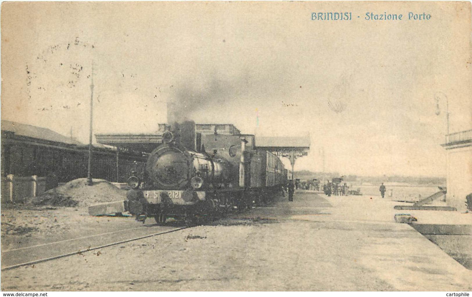 ITALIE - Brindisi - Stazione Porto Nell 1918 - Treno In Primo Piano - Brindisi