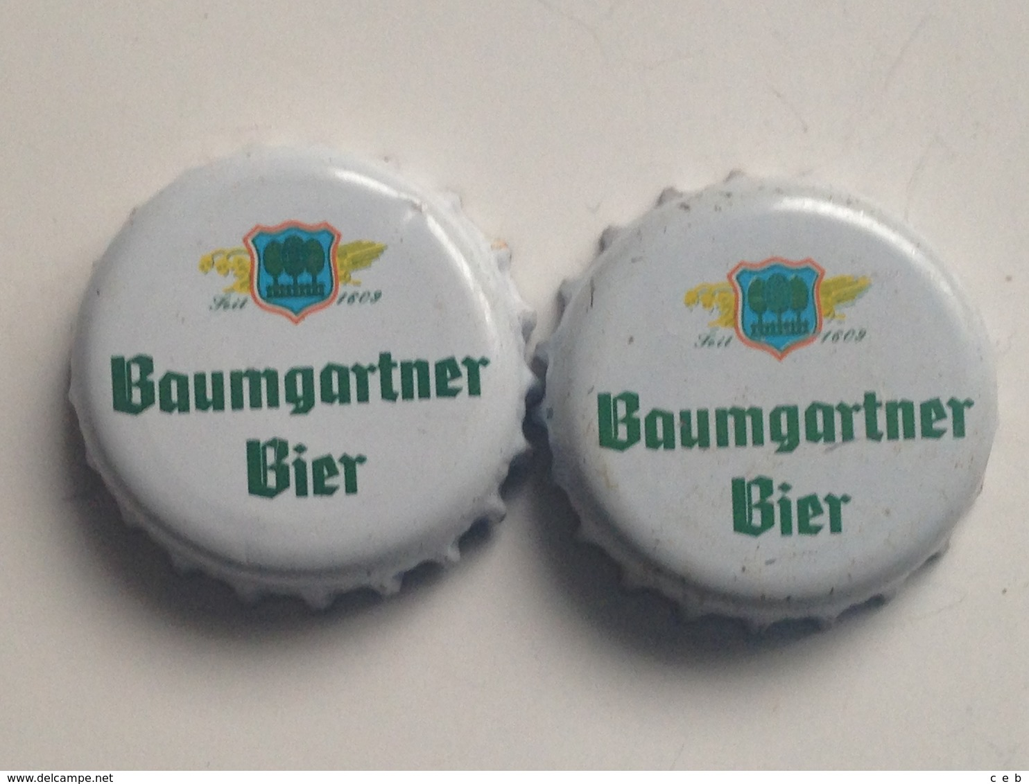 Lote 2 Chapas Kronkorken Caps Tappi Cerveza Baumgartner Bier. Austria - Beer