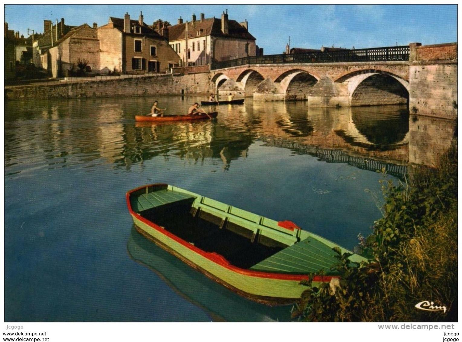 COULANGES Sur YONNE Bords De L'Yonne - Coulanges Sur Yonne