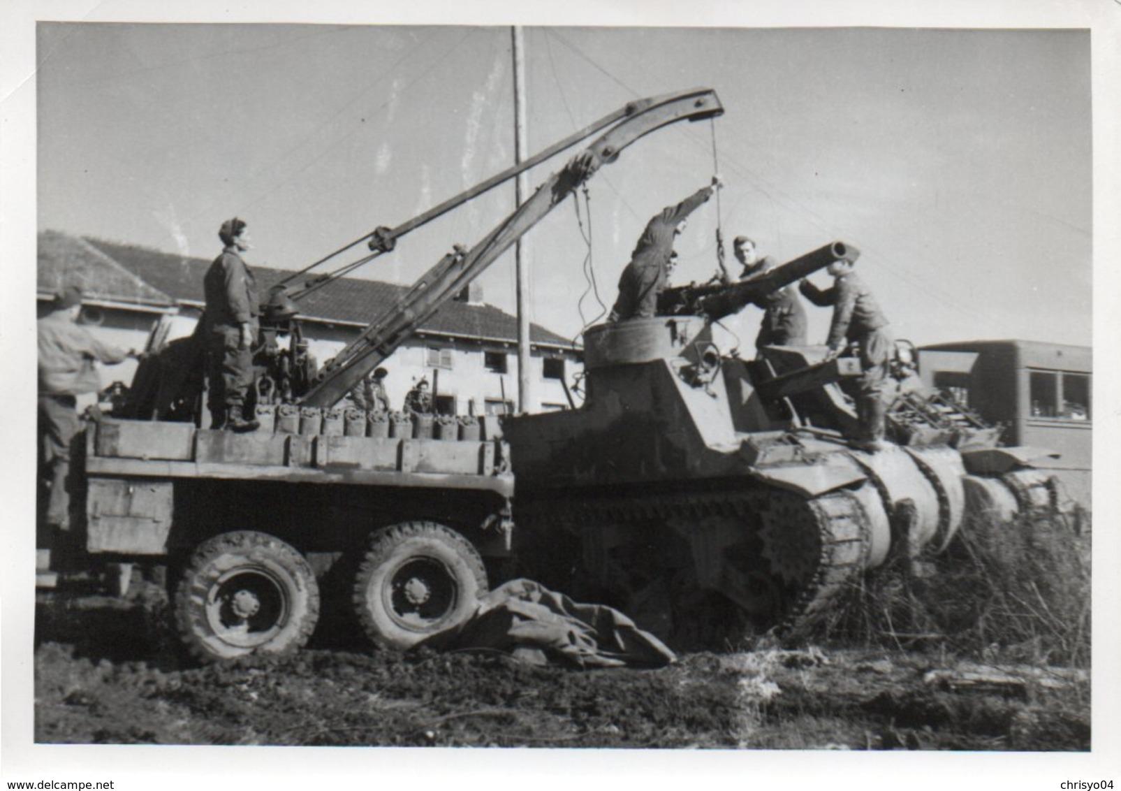 88Sv  Photo (18cm X 13cm) Atelier De Réparation Tank Tankiste Chars Derriere Les Lignes Guerre 39/45 - Guerre 1939-45