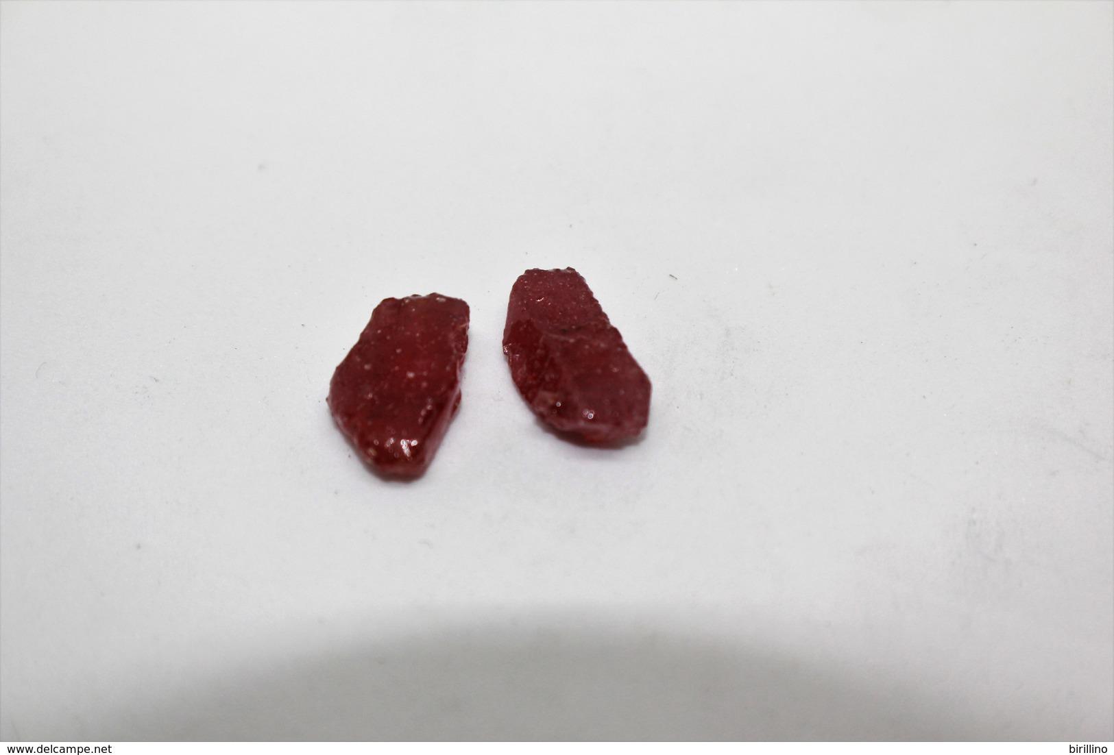 Rubino (2 Pezzi) Ct. 16.07 - Provenienza Madagascar - Rubino