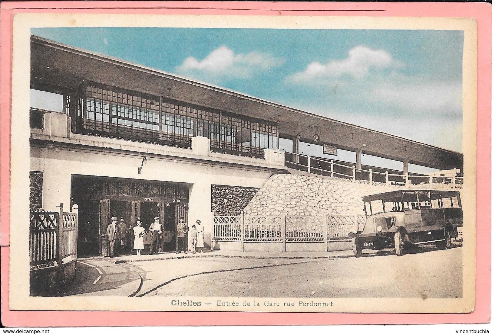 Chelles - L'Entrée De La Gare Rue Perdonnet - Chelles