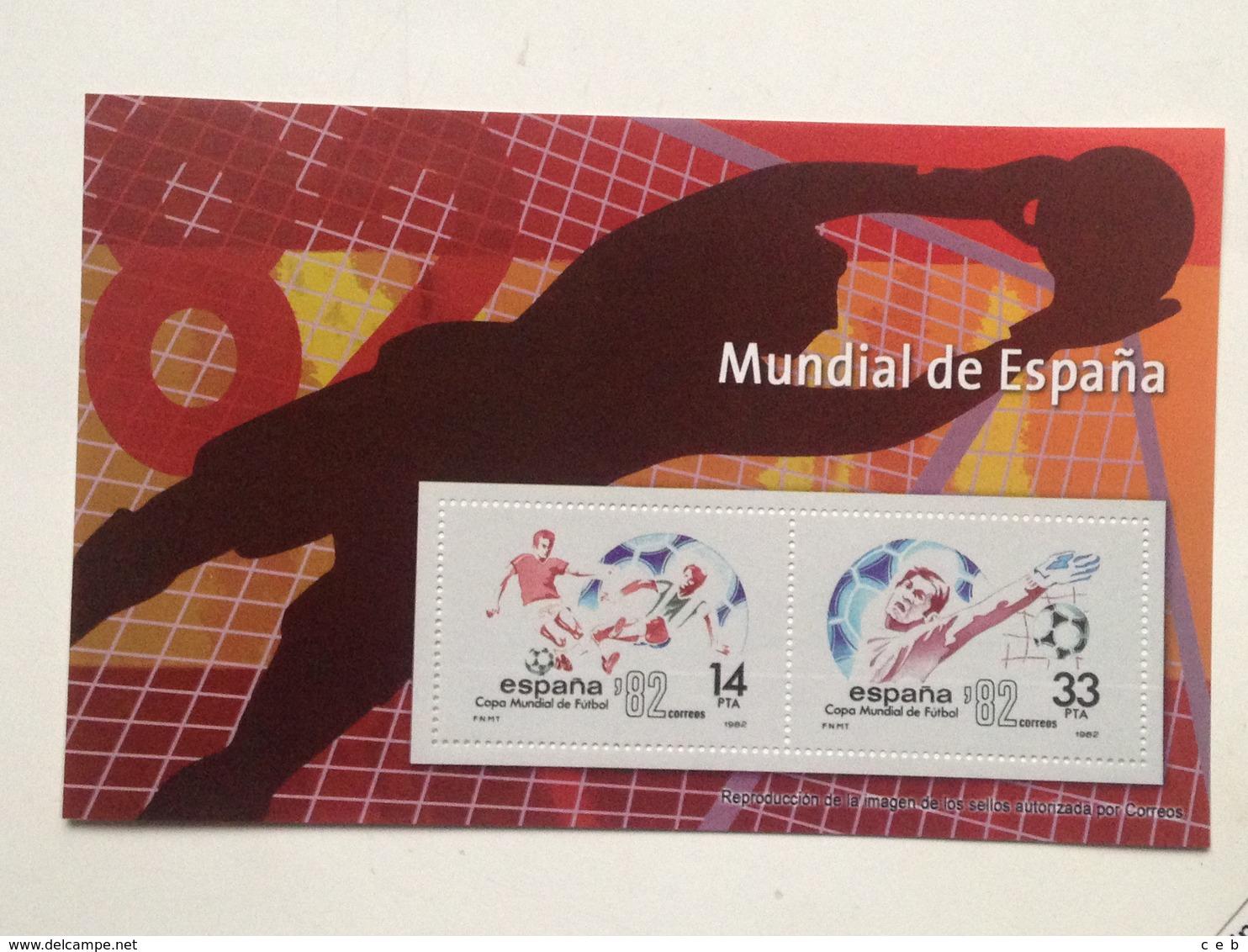 Hoja Bloque 2 Sellos. Mundial De Fútbol 1982. España. Sin Circular. Reproducción Actual De Los Sellos Autorizada - Hojas Conmemorativas