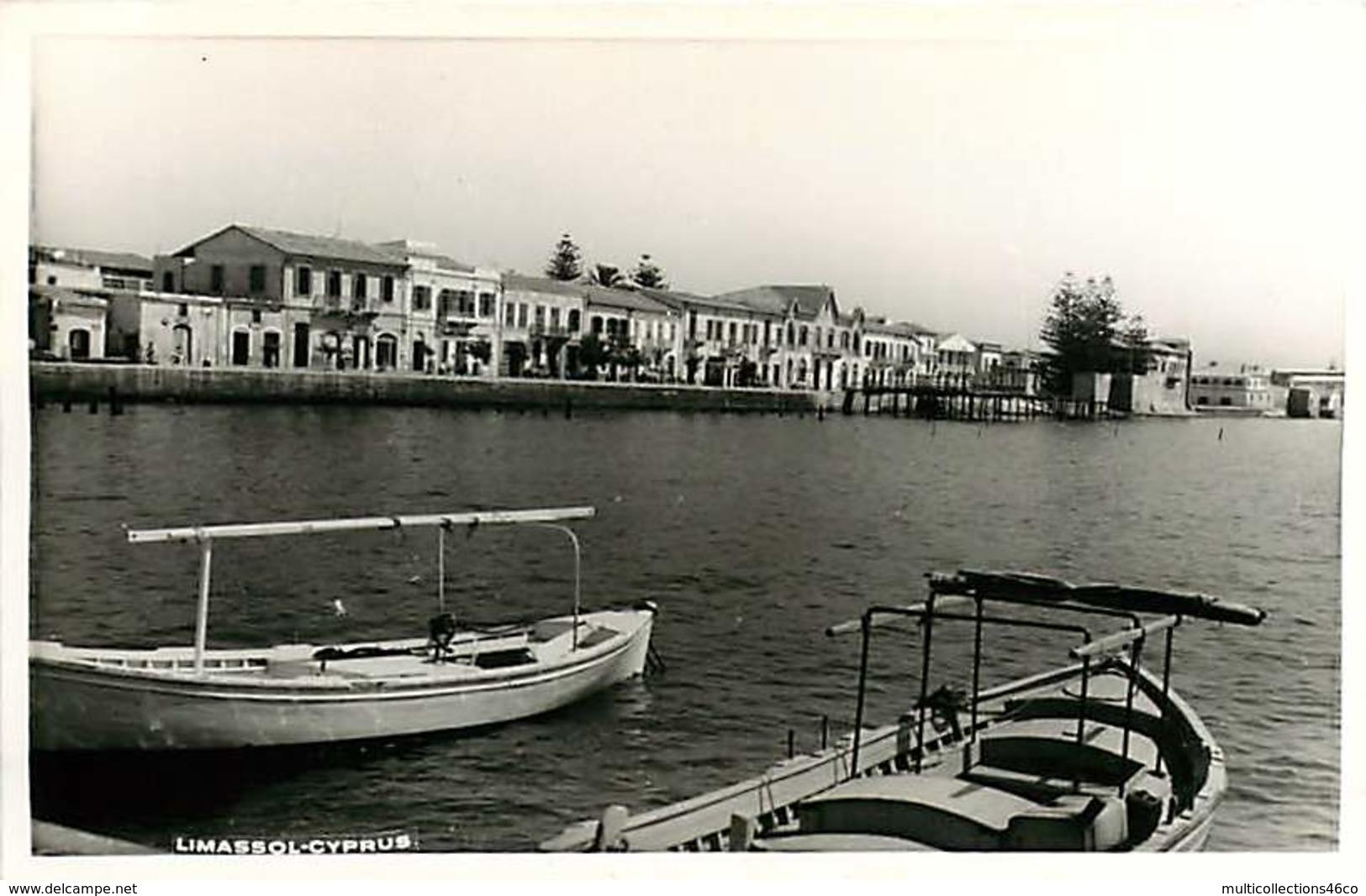 221118 - CHYPRE Limassol Cyprus - Barque Port - Cyprus