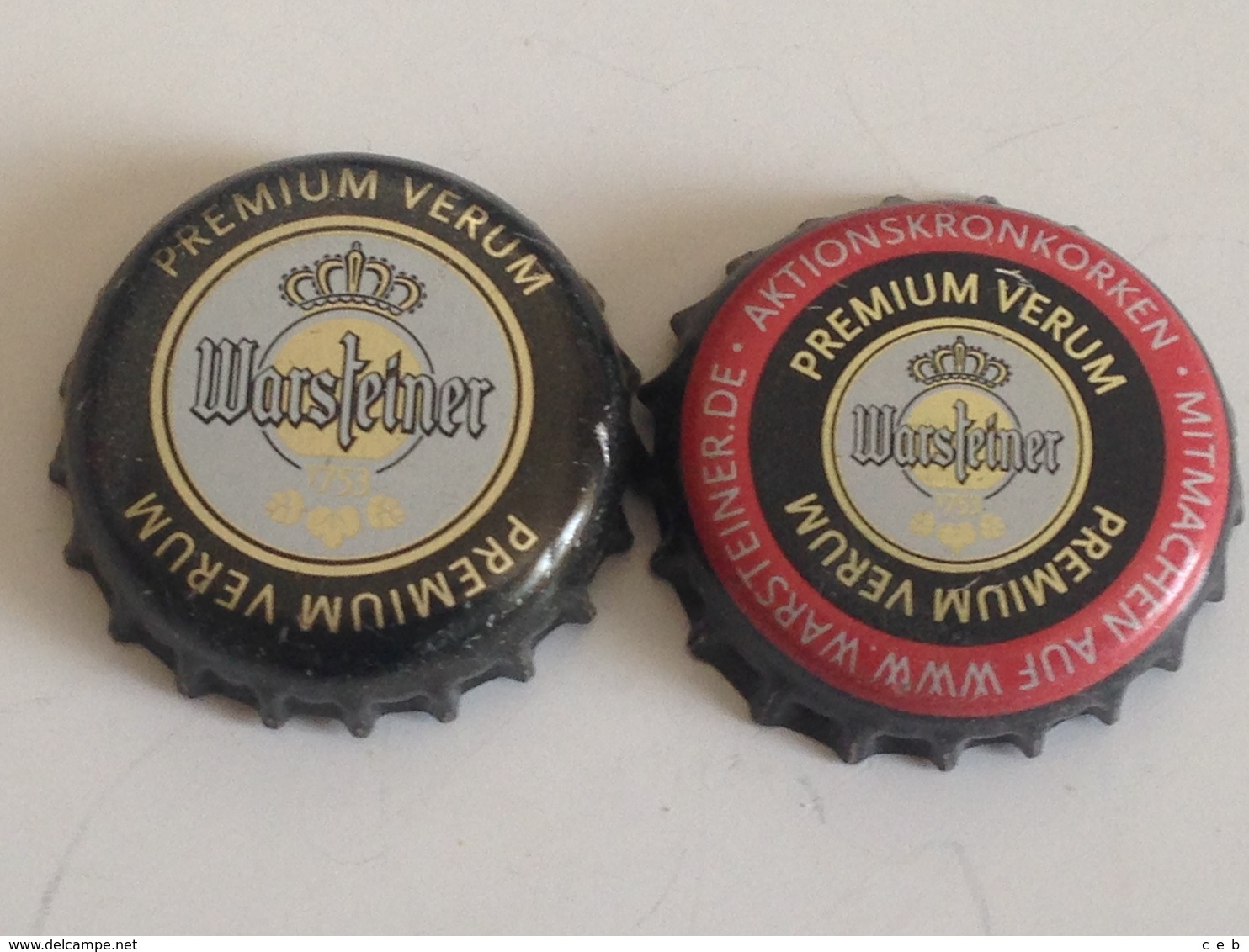 Lote 2 Chapas Kronkorken Caps Tappi Cerveza Warsteiner.  Alemania - Cerveza