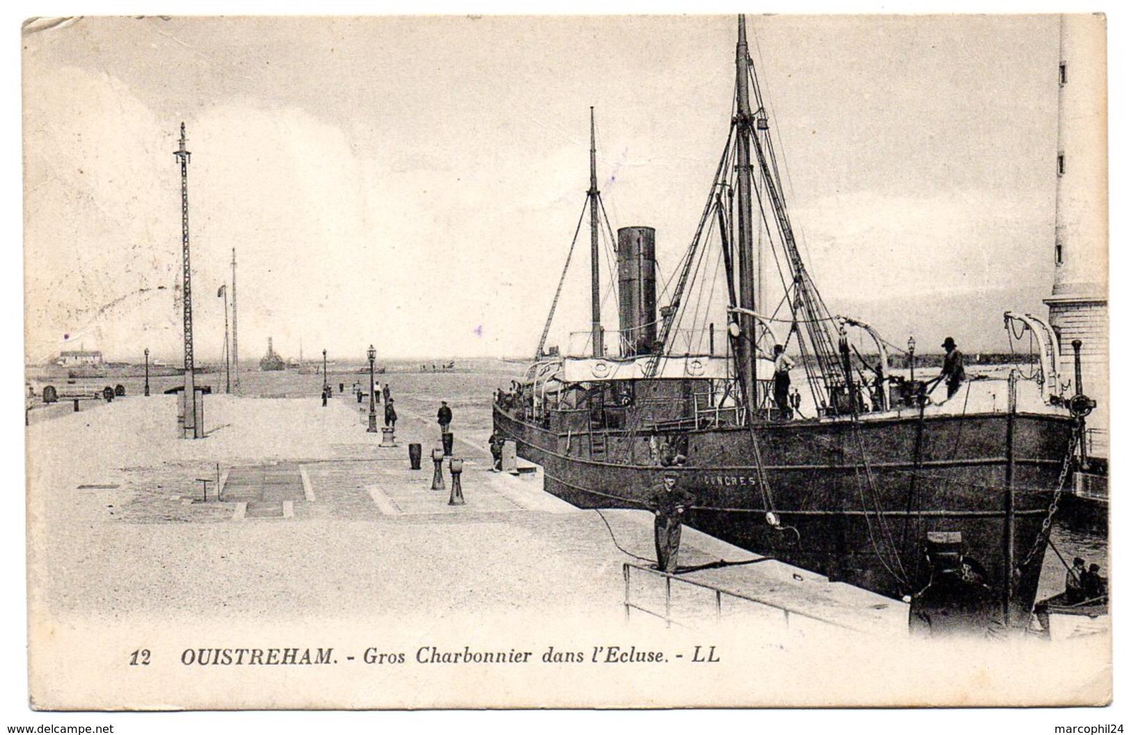 CALVADOS - Dépt N° 14 = OUISTREHAM  1927 = CPA  LL N° 12 = Gros Charbonnier Dans L' Ecluse - Ouistreham