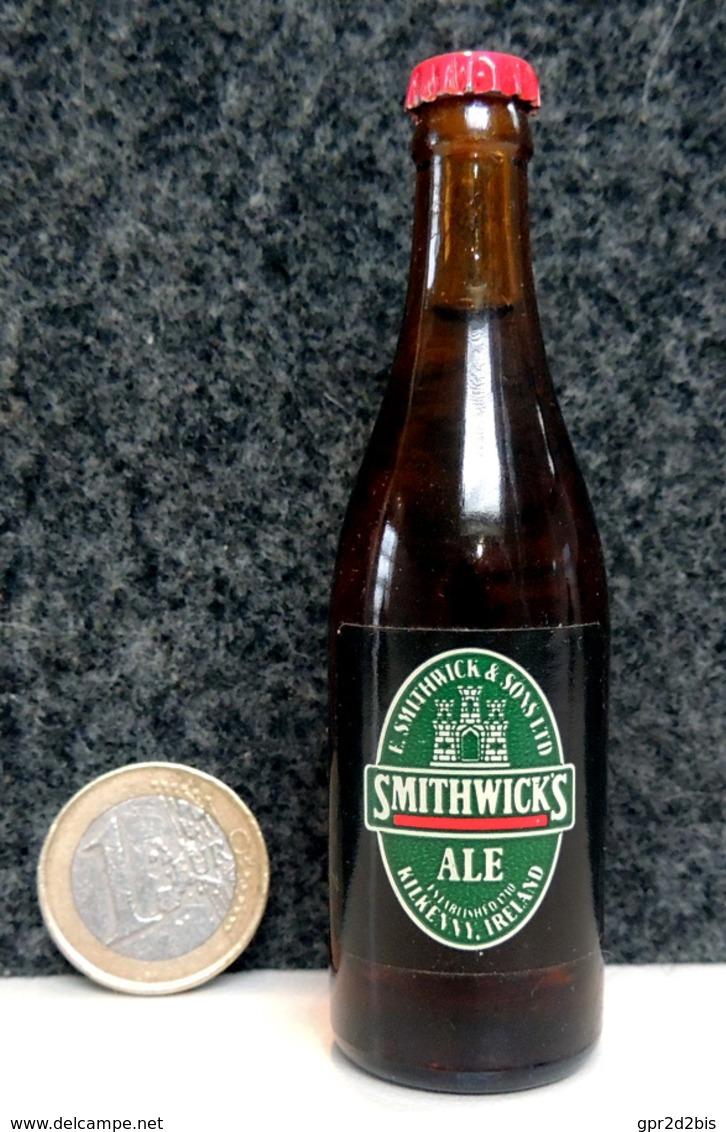 Mignonnette - IRLANDE Bière SMITHWICKS Bouteille Miniature 8.5cm (en Verre + Capsule Métal) - Mignonnettes