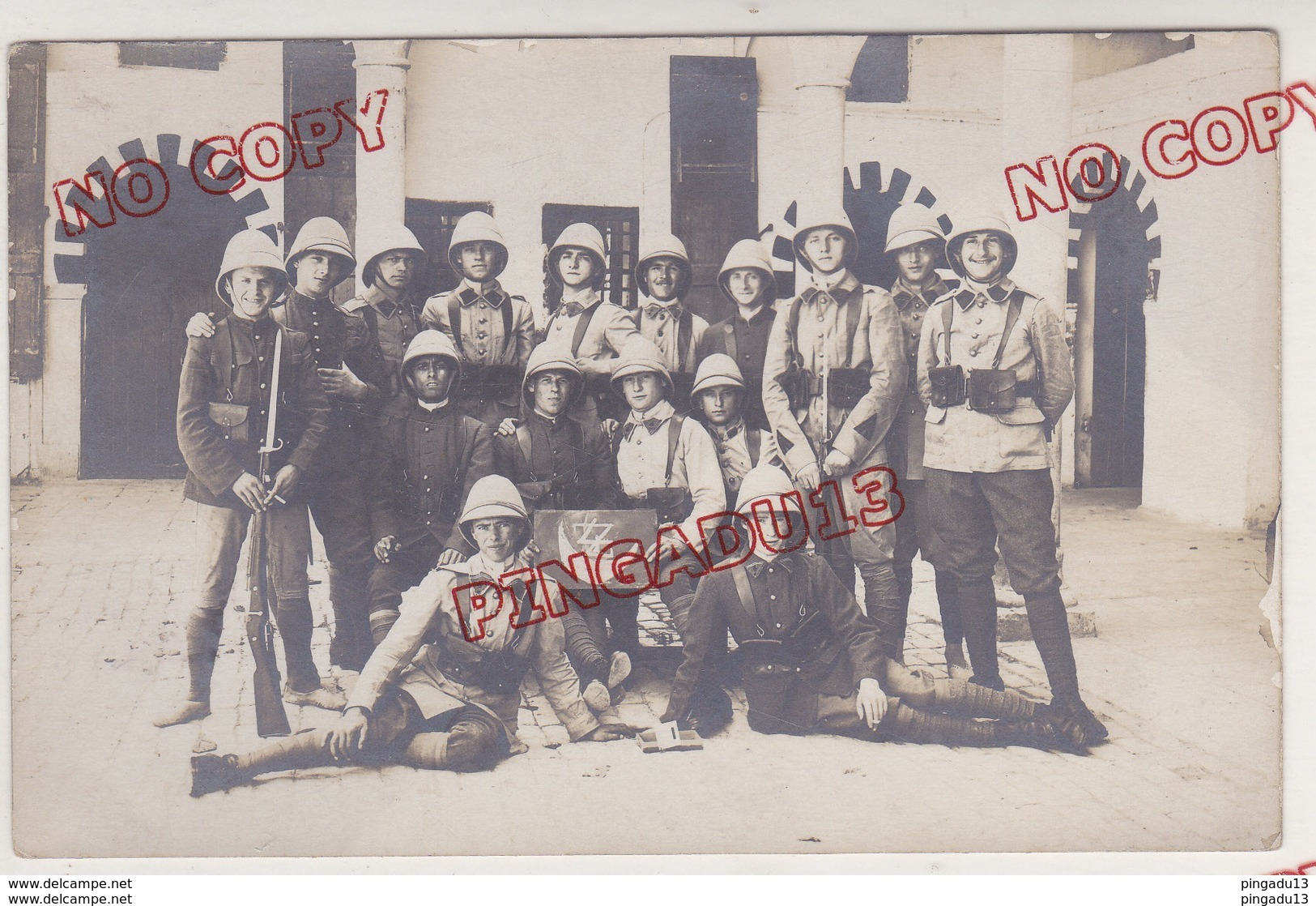 Au Plus Rapide Carte Photo Caserne Saussier Tunis Tunisie 4 ème Régiment De Zouaves Zouave 1927-1928 - Regiments