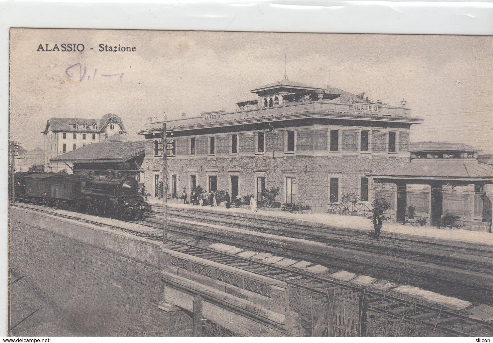 Alassio - Stazione, Treno In Arrivo - Savona