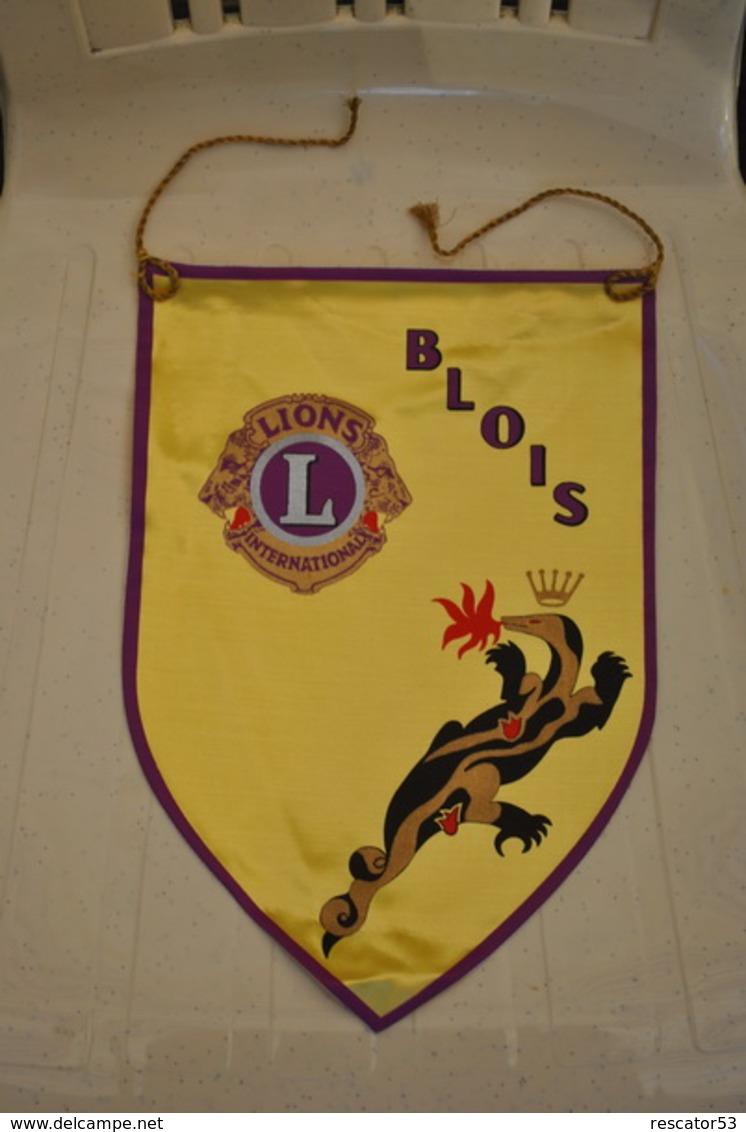 Rare Fanion Lion's Club Blois - Organizations