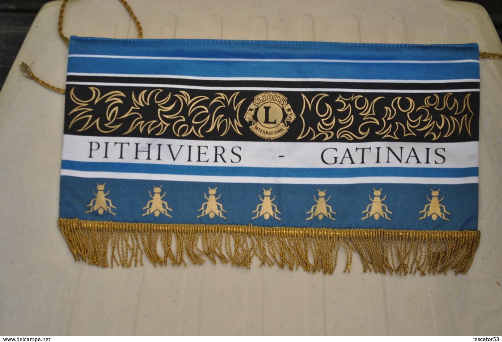 Rare Fanion Lion's Club Pithiviers Gatinais - Organizaciones