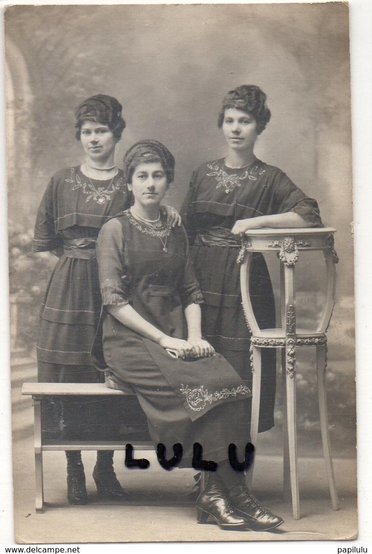 FEMMES 629 : Carte Photo De Trois Triplés ( Jumelles ) - Femmes