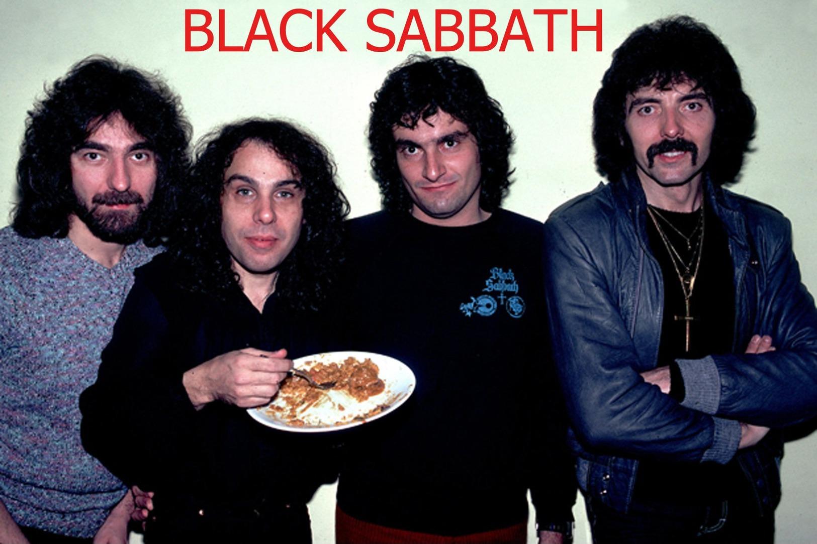 Black Sabbath Rock Band Original Postcard In Near Mint Condition. 013 - Postcards