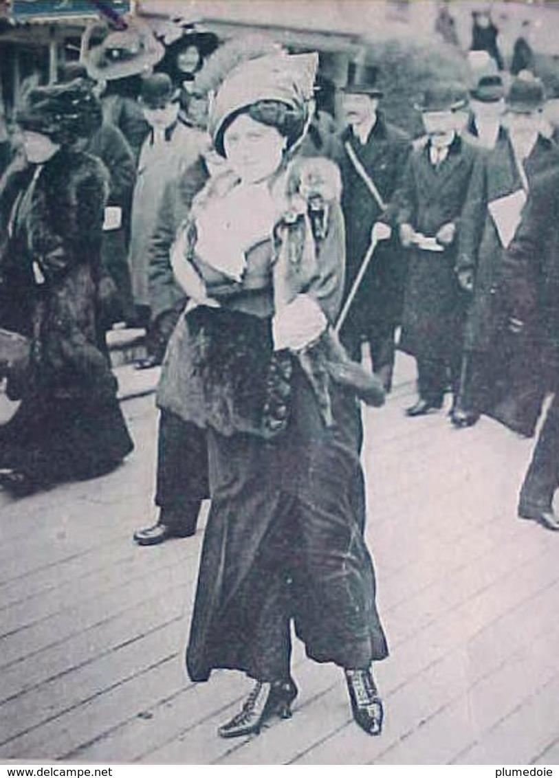 Cpa Les Modes Nouvelles , LA JUPE PANTALON  à AUTEUIL , HAUTE COUTURE FEMME  1911 , ART DECO WOMAN FASHION EDITEUR ELD - Femmes