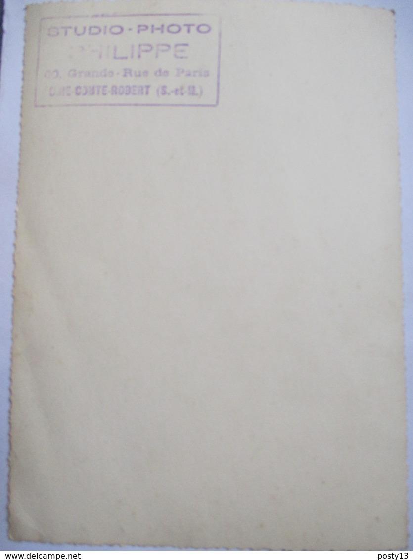 Brie-Comte-Robert (77) - Rare Photographie Originale Défilé Char  FETE  DES  ROSES - 1952 -  Tampon Photographe Au Dos. - Non Classés