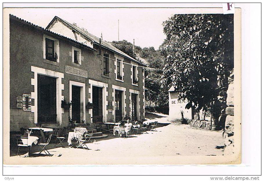 CPA (79) THOUARS -Vallée Du Thouet - Pommiers Plage- Café Restaurant- (066 Bt) - Thouars