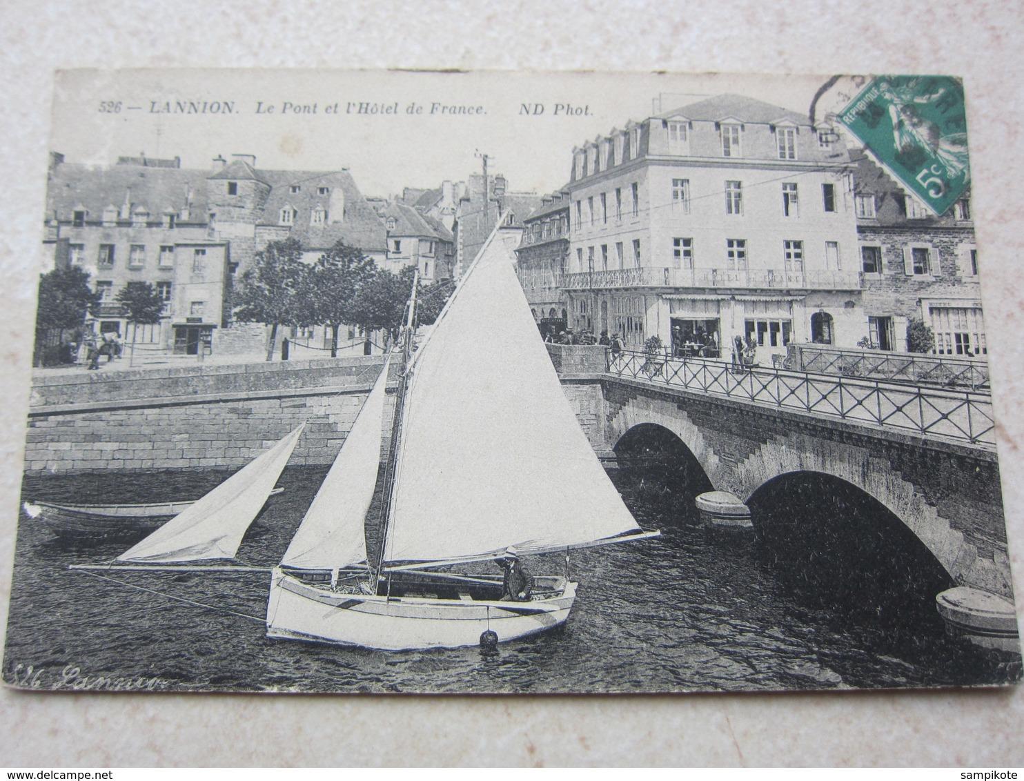 LANNION - Le Pont Et L'Hôtel De France - Lannion