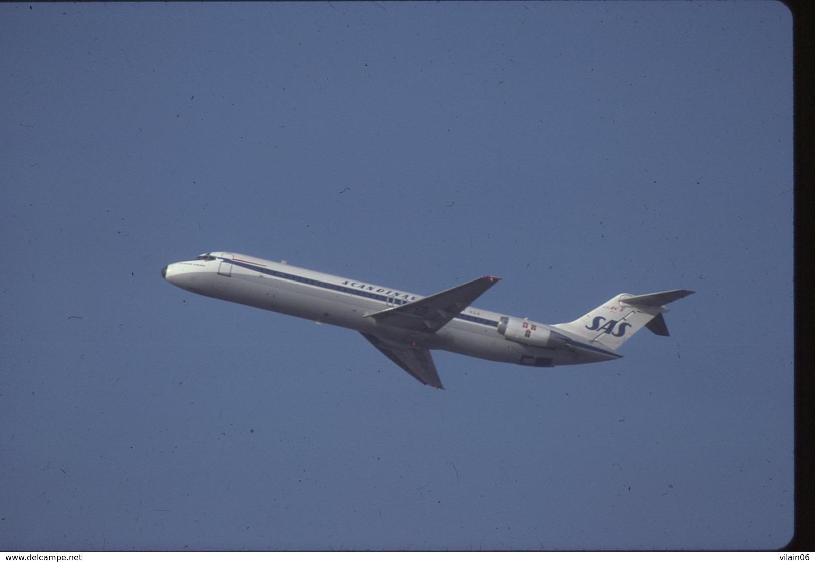 SLIDE / AVION / AIRCRAFT   KODAK  ORIGINAL  SAS  DC 9  OY-KGA - Diapositive