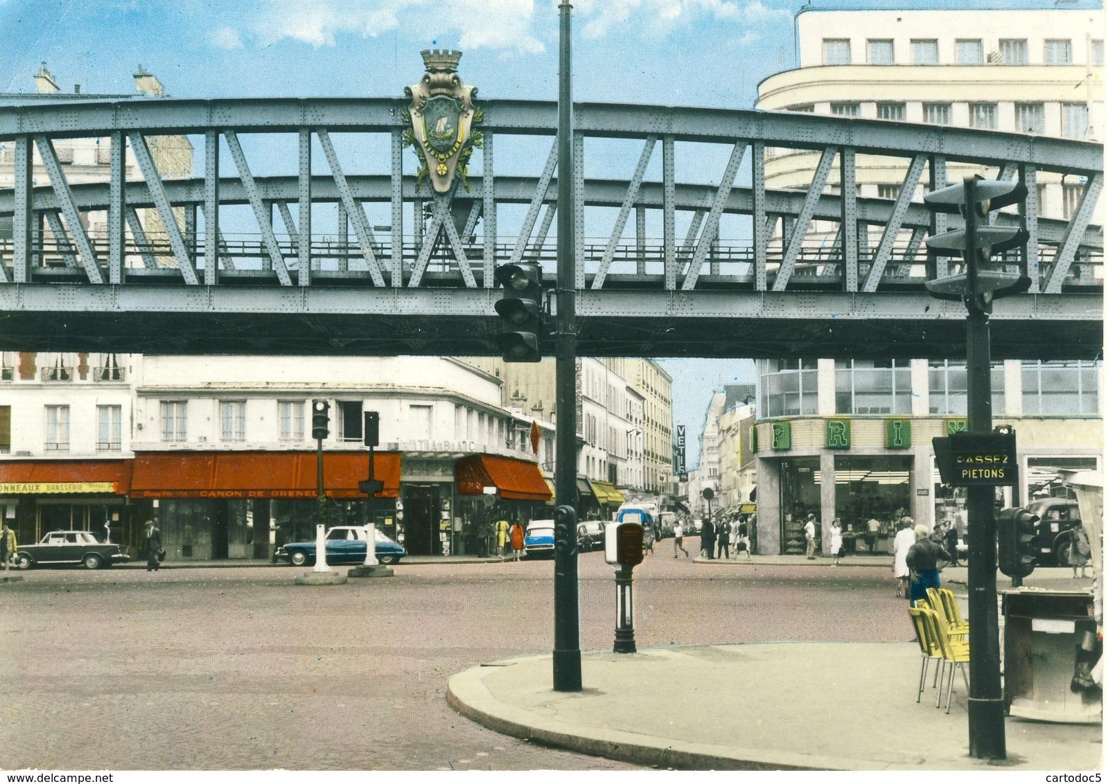 Paris (XVe) Carrefour Motte-Picquet Et Rue Du Commerce Cpsm Format 10-15 - Places, Squares