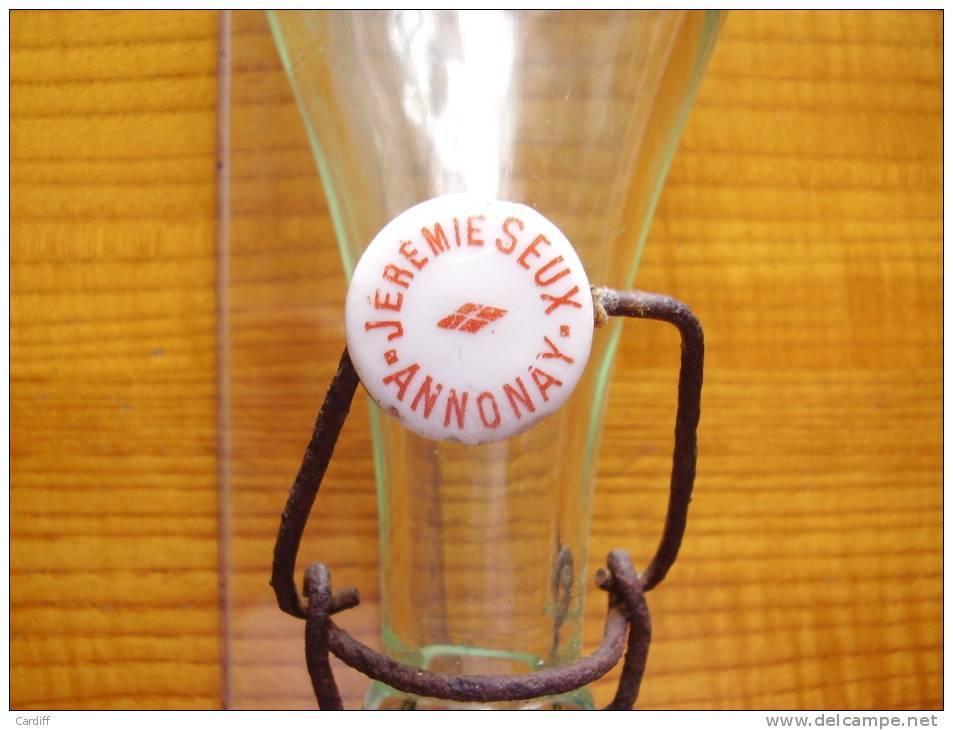 Bouteille Complète En Verre Avec Son Bouchon Porcelaine Et Son Joint Limonade Jérémie Seux à Annonay  Ardèche. - Autres Bouteilles