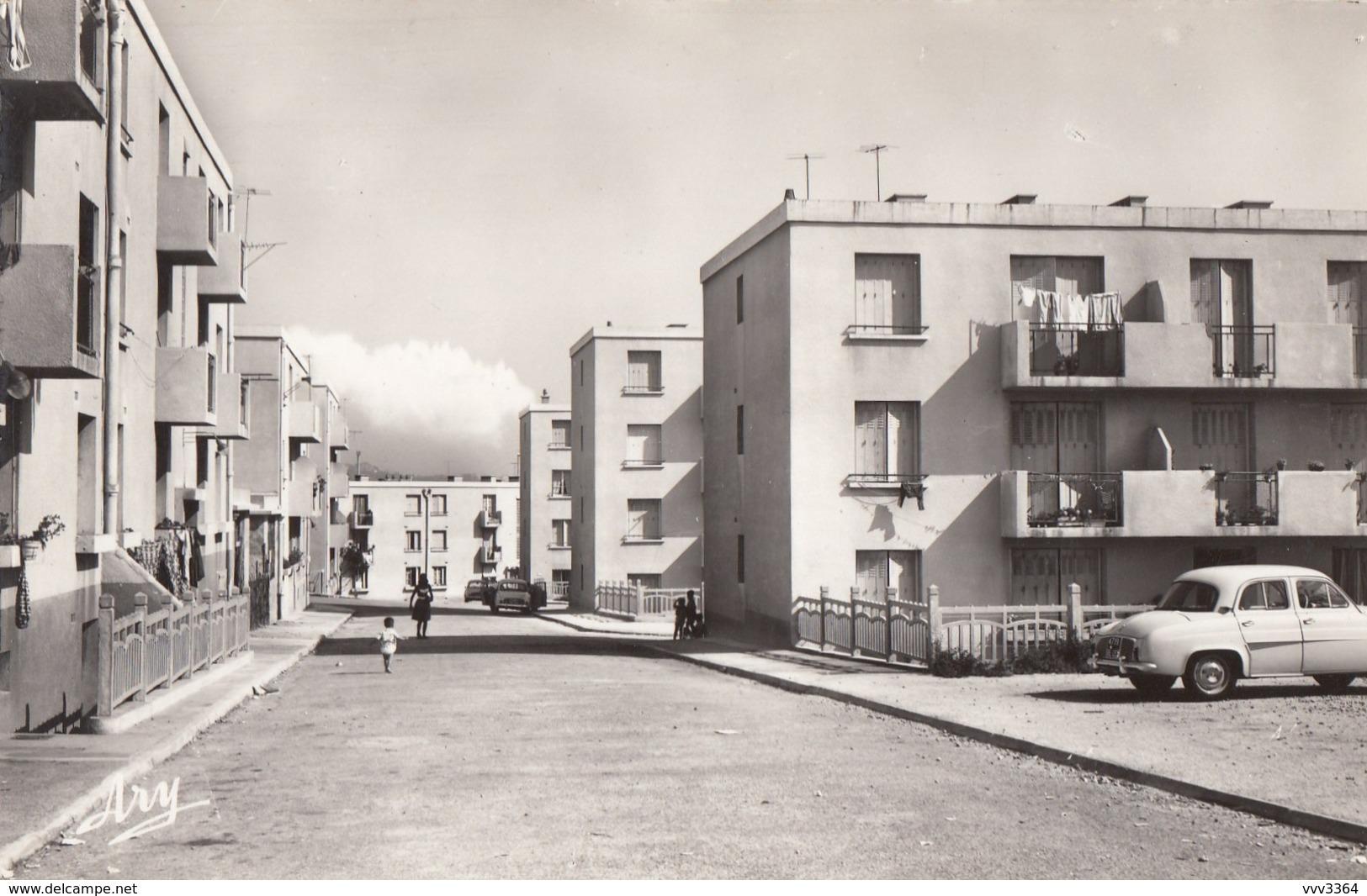 MARSEILLE - BONNEVEINE: Cité Du Parc Du Collet (voiture Ancienne) - Quartiers Sud, Mazargues, Bonneveine, Pointe Rouge, Calanques