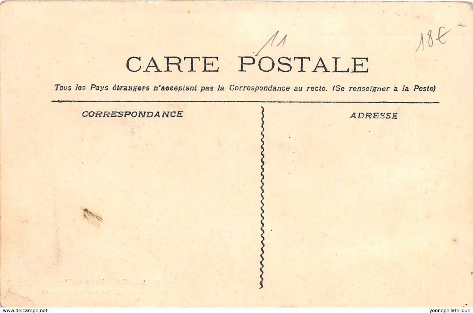 Comores / 11 - Beau Cliché Colorisé - Comores