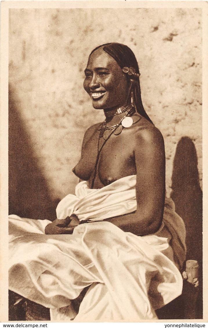 Erythrée / Ethnic - 04 - Nude Woman - Erythrée