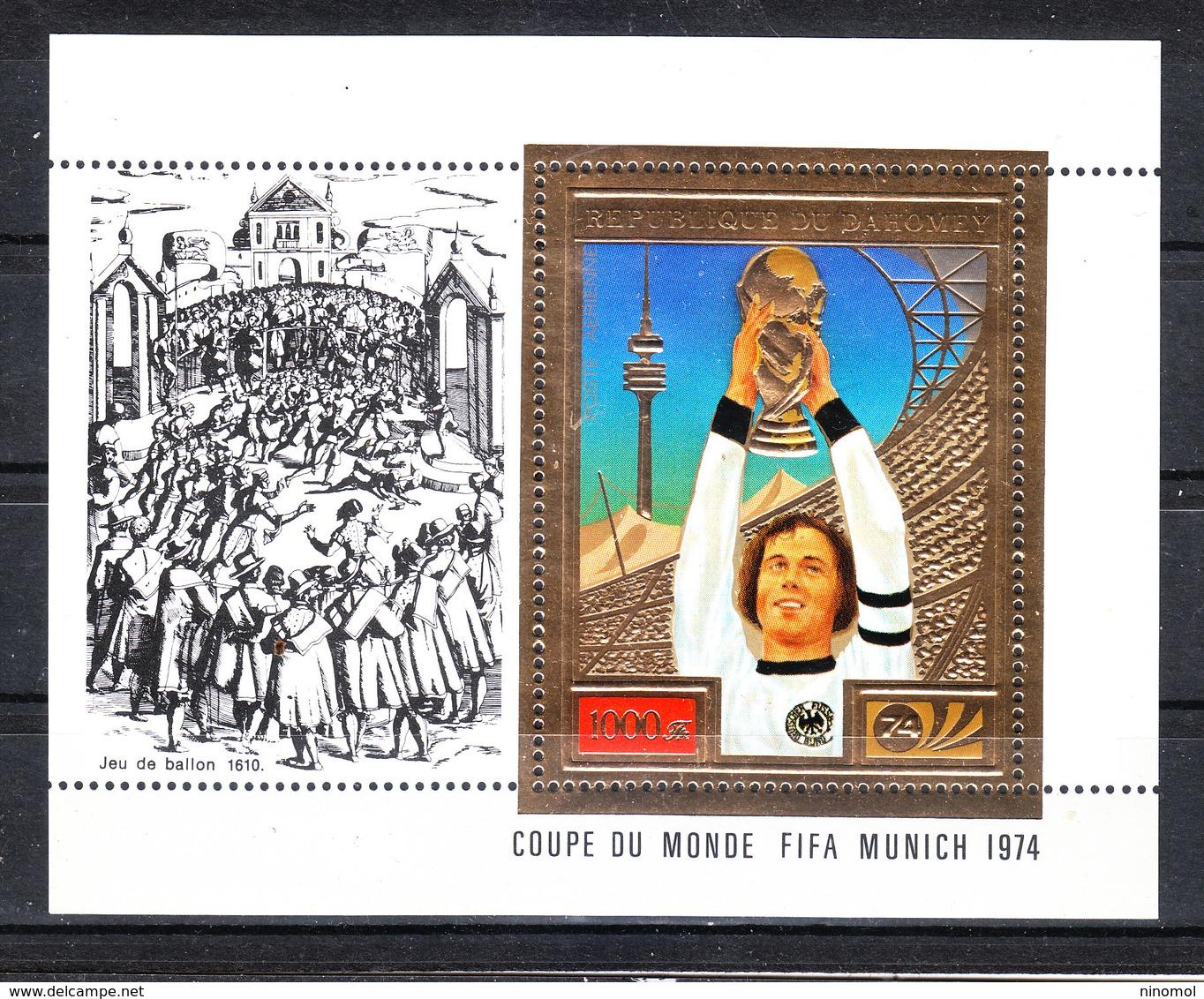 Dahomey  -  1974. Beckenbauer Solleva Coppa Rimet. Beckenbauer Raises  Rimet Cup. MNH - Coppa Del Mondo